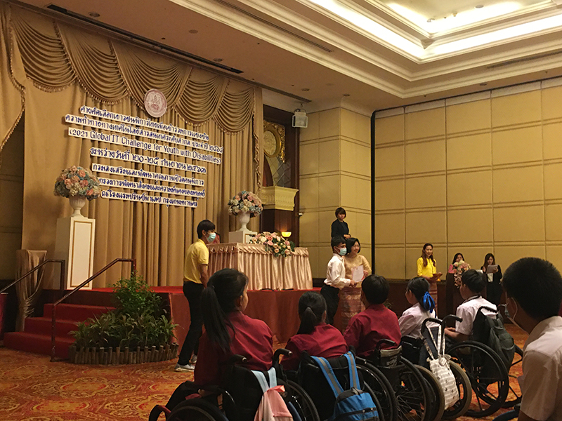 Certificate was presented to the winner to represent Thailand for the international event by Director General of Department of Empowerment of Persons with Disabilities (DEP), Ms. Thanaporn Promsuwan