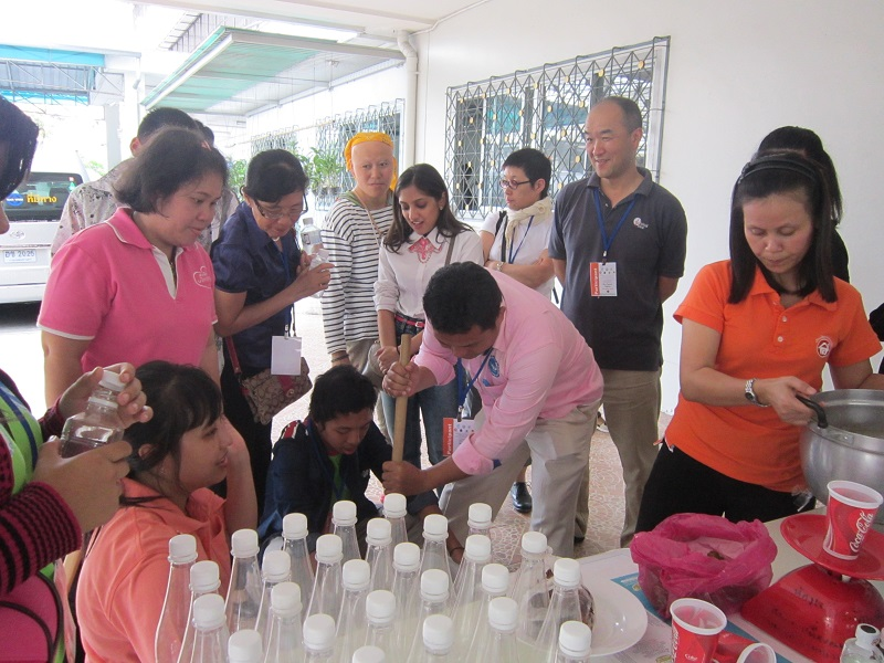 Field visit to Dao Roeung Group (washing liquit)