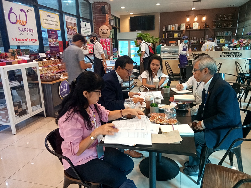 APCD and JICA Thailand Office had further internal discussions about the Project implementation at 60+ Plus Bakery and Chocolate Cafe @ Ratchawithi Branch.