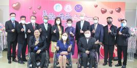 Group photo of core representatives from the Department of Empowerment of Persons with Disabilities (DEP), the Department of Children and Youth, Disabilities Thailand (DTH), APCD, and other relevant associations for Thai persons with disabilities